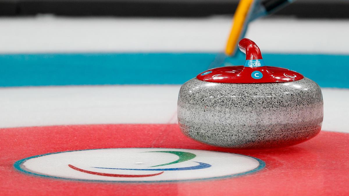 Die deutschen Curling-Männer feiern bei der EM einen Sieg zum Auftakt
