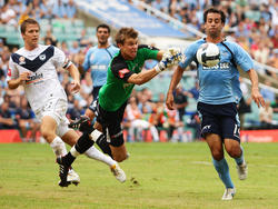 Mitchell Langerak – Alex Brosque