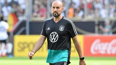Beruft auch ein Talent des FC Bayern: U21-Coach Antonio Di Salvo