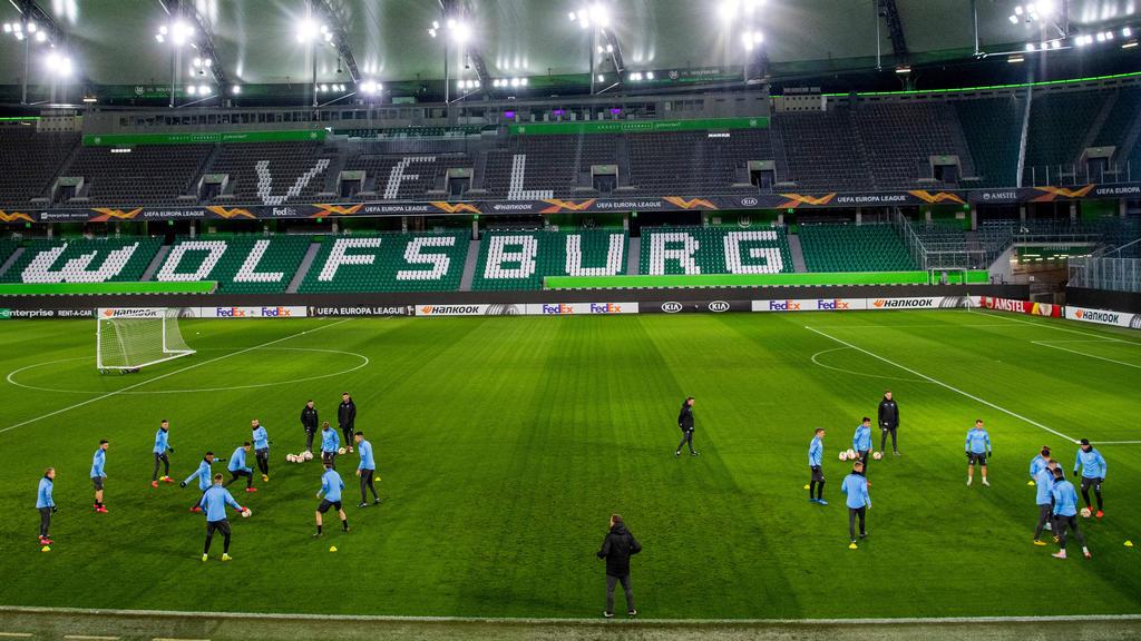 Malmö FF trainiert im Stadion des VfL Wolfsburg