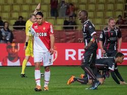 Radamel Falcao (l.) bangt nach einer schweren Knieverletzung um die WM