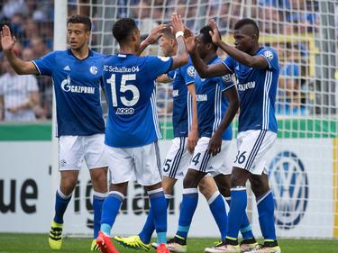 Zufriedene Gesichter beim FC Schalke 04 nach dem Erstrundenerfolg gegen Villingen