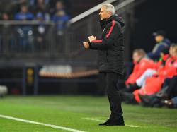 Lucien Favre könnte bald wieder in der Bundesliga an der Linie stehen