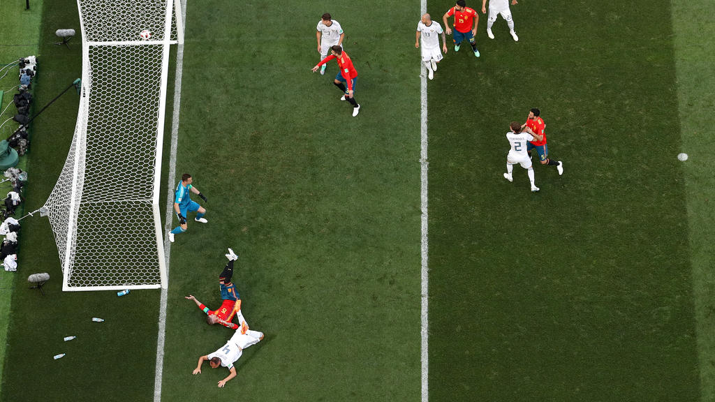 1:0 für Spanien: Der Ball zappelt im Netz