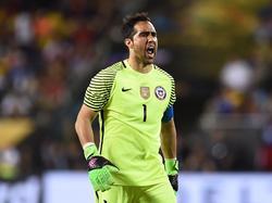 Claudio Bravo fehlt den Chilenen wegen einer Wadenverletzung