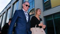 Paul Gascoigne (l.) zeigte sich erleichtert nach Freispruch vor Gericht