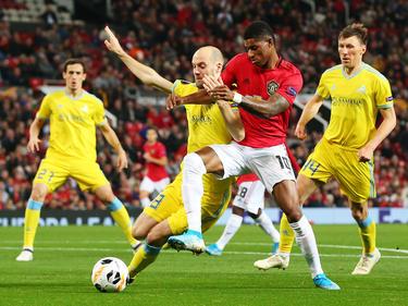 El United lidera su grupo con 10 puntos.