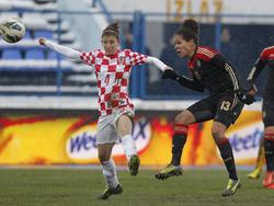 Célia Šašić (r.) traf in der 13. Minute zum 2:0