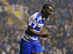 Ola John kan juichen tijdens het competitieduel Reading - Huddersfield Town (03-11-2015).