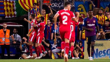 Stuani celebra un tanto al Barça con la camiseta del Girona. (Foto: Getty)