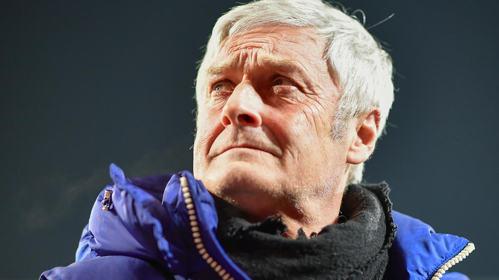 Armin Veh sieht Ziele des 1. FC Köln gefährdet