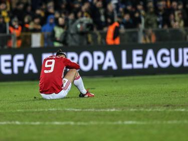 Zlatan Ibrahimović ziet het even niet meer zitten in de knollentuin van Rostov tijdens het Europa League-duel FK Rostov - Manchester United (09-03-2017).