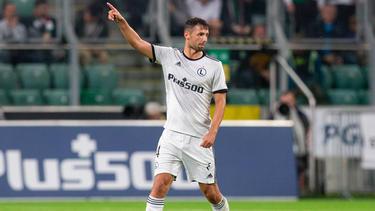 Mateusz Wieteska soll beim FC Schalke hoch im Kurs stehen
