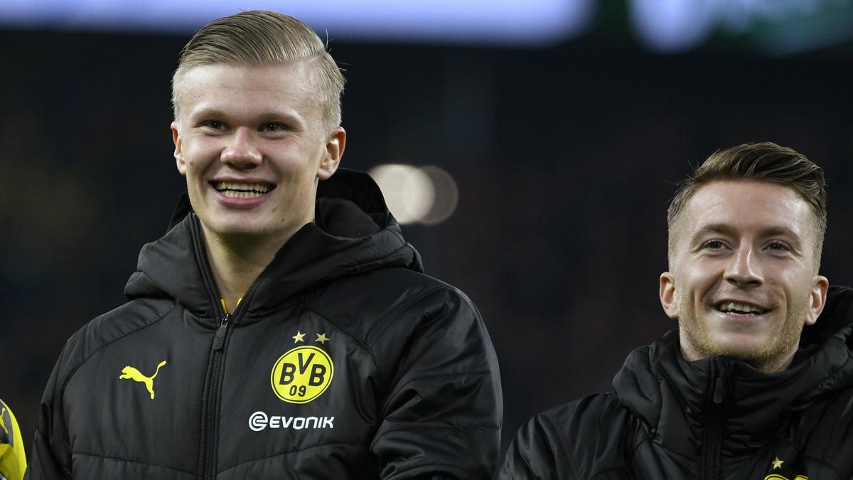 BVB-Stars unter sich: Erling Haaland unterstützt eine Aktion von Marco Reus