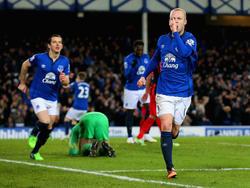 Evertons Steven Naismith (r.) bejubelt einen Treffer