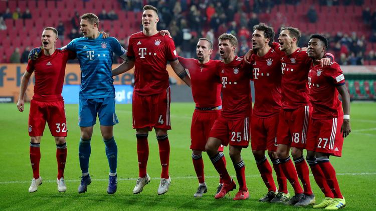 Der FC Bayern tritt am Dienstag beim FC Liverpool an