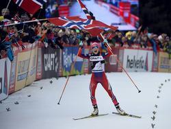 Jubel nach dem Gewinn der Tour de Ski 2016 bei Johaug