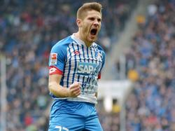 Andrej Kramarić maakt de 1-0 namens 1899 Hoffenheim tegen VfL Wolfsburg. (12-03-2016)