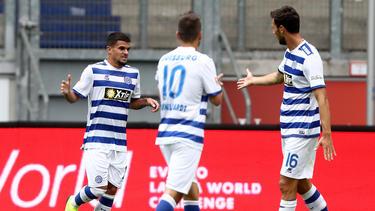 Cauly Oliveira Souza (l.) erzielte das 1:0 für den MSV Duisburg