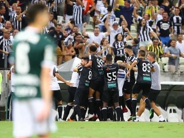 El Ceará celebra su merecida victoria.