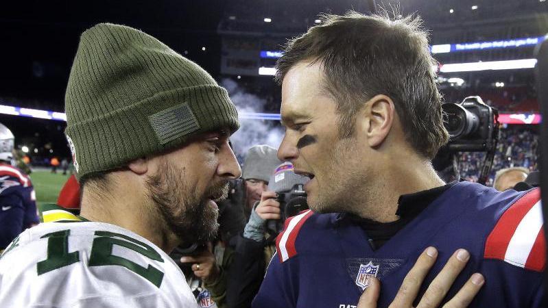 Aaron Rodgers (l.) und Tom Brady