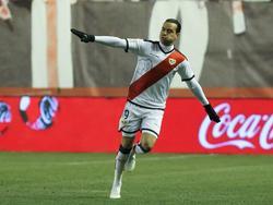 Raúl de Tomás celebra uno de sus tres goles al Celta. (Foto: Imago)