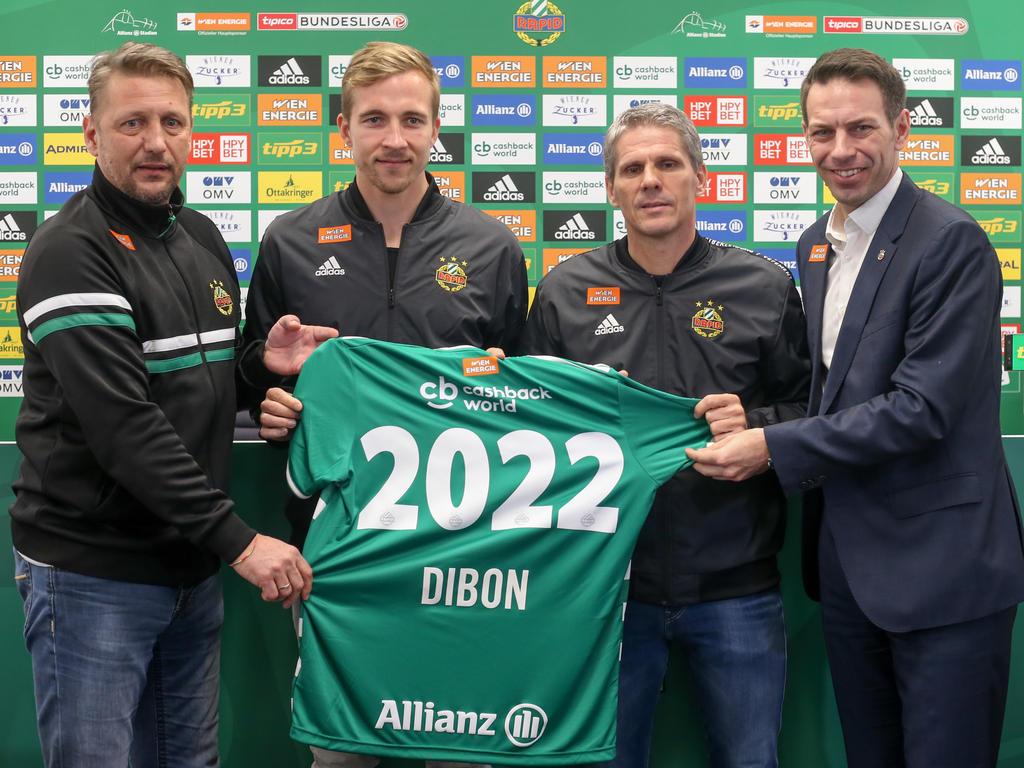Barisic, Kühbauer, Dibon und Peschek mit Dibons Dress