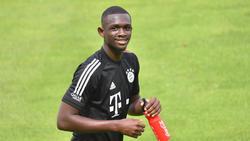 Tanguy Nianzou vom FC Bayern strich ein Lob nach dem anderen ein