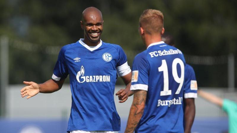 Schalkes Guido Burgstaller (r.) schoss den Treffer gegen Angers