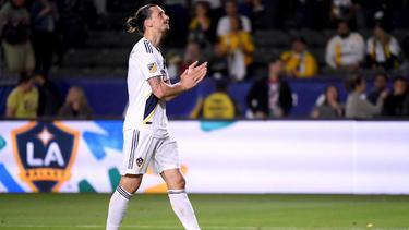 Zlatan no pudo evitar la derrota en el partido decisivo. (Foto: Getty)