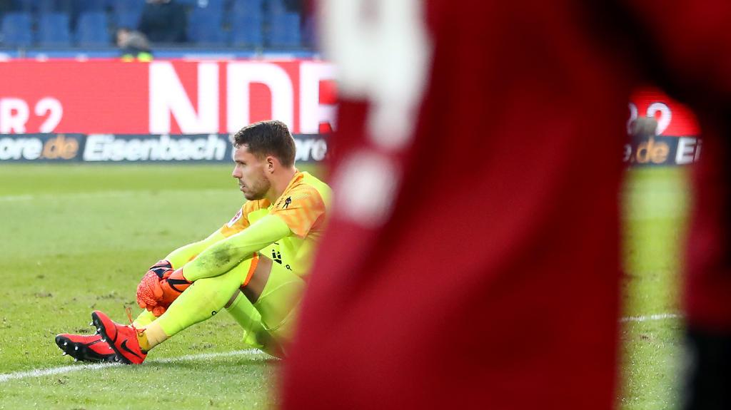 Club-Torwart Christian Mathenia spielte zuvor für den HSV