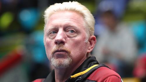 Muss sich von vielen Pokalen und Erinnerungsstücken trennen: Boris Becker