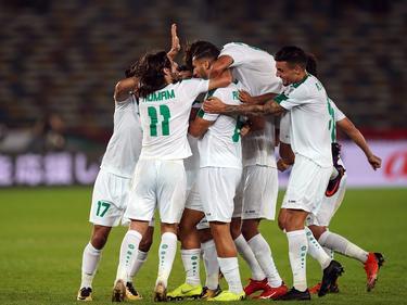 Los jugadores iraquíes se felicitan tras uno de los tantos. (Foto: Imago)