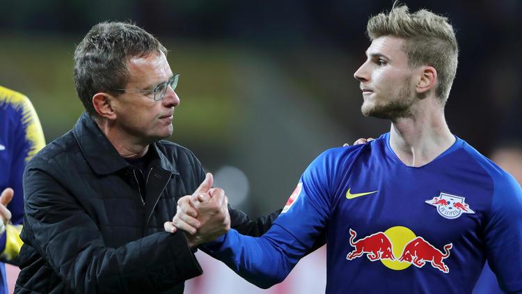 Rangnick (li.) empfiehlt Leipzig-Profi Timo Werner einen Verbleib bei RB