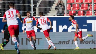 Jahn Regensburg durfte gegen Hannover 96 drei Treffer bejubeln