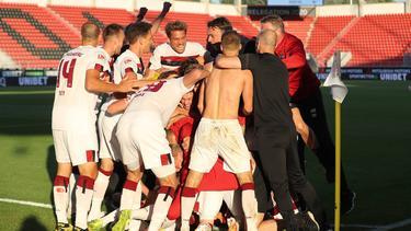 Der FC Nürnberg hat sich in letzter Sekunde gerettet
