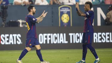 Spielte mit Messi bei Barcelona: Neymar (r.)