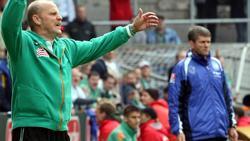 Thomas Schaaf (Werder Bremen) und FriedhelmFunkel (1. FC Köln) kämpfen um den Bundesliga-Erhalt