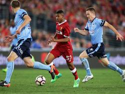 Rhian Brewster (m.) muss wohl beim FC Liverpool bleiben