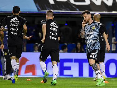 Lionel Messi (r.) spielt mit der argentinischen Nationalmannschaft nicht auf Israel