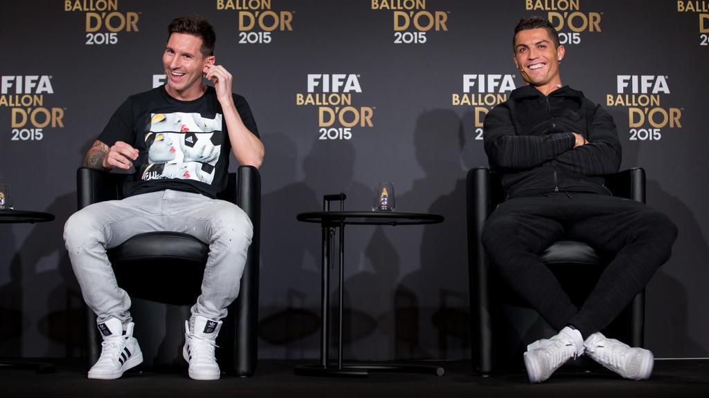Lionel Messi und Cristiano Ronaldo haben sich den Ballon dOr zuletzt regelmäßig zugeschoben