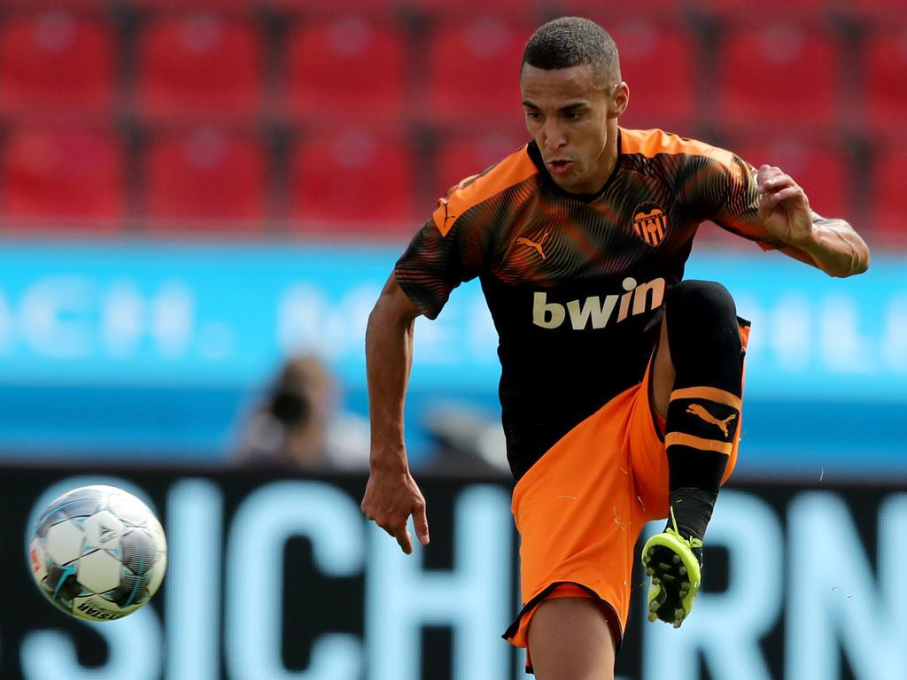 Rodrigo en un partido de pretemporada con el Valencia.