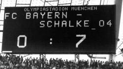 Die Anzeigetafel im Münchener Olympiastadion spricht Bände