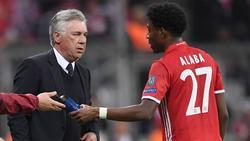Carlo Ancelotti (l.) und David Alaba kennen sich aus ihrem gemeinsamen Jahr beim FC Bayern