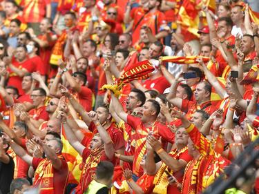 Aficionados de Macedonia del Norte en un duelo de la fase de grupos.