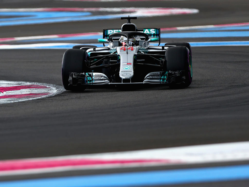 Lewis Hamilton fährt zum 75. Mal in seiner Karriere von der Pole Position