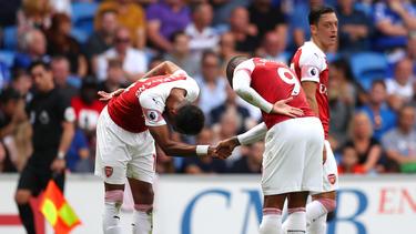 Aubameyang und Lacazette feiern ihre Tore beim Arsenal-Sieg