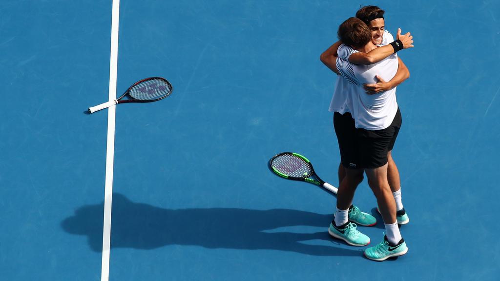 Pierre-Hugues Herbert (l.) und Nicolas Mahut gewannen das Endspiel von Melbourne