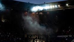 Eintracht-Anhänger zünden Pyrotechnik im Stadion von Racing Strasbourg
