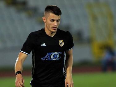 Nemanja Belaković, hier im Dress des FK Čukarički, stürmt zukünftig für Hartberg